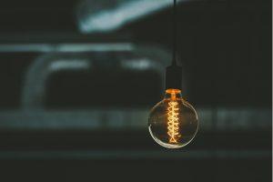 Hogyan hat a villanykörte feltalálása az alvásunkra?